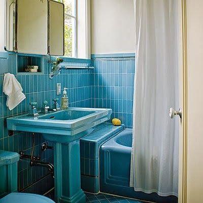 Blauw sanitair voor in de blauwe badkamer - Badkamer blauw ...